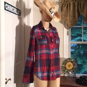 Two pockets and soft flannel! Yummy!